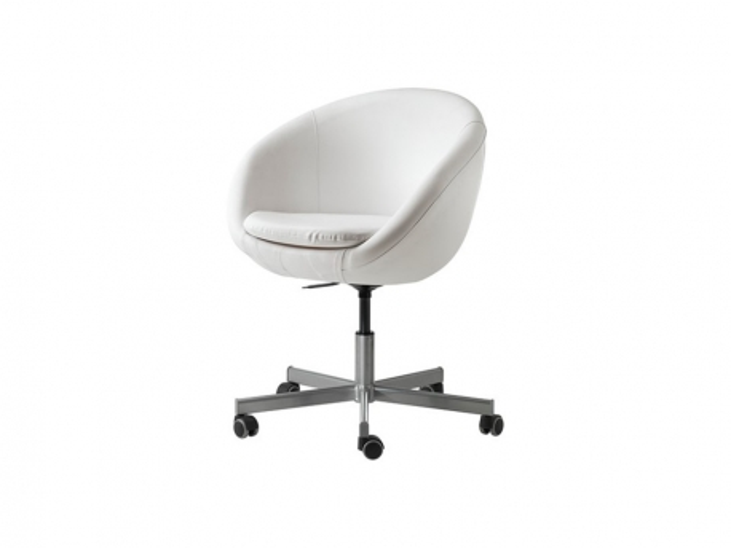 Chaise blanche sur roulette Naos Location