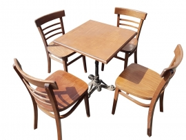 Table bistrot + 4 chaises